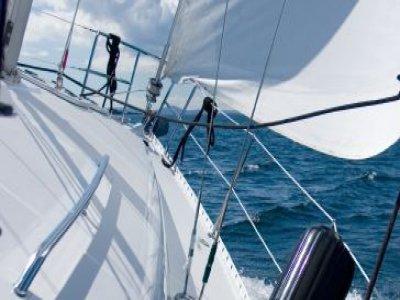 Alizé Charter and Sailing School Sailing