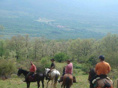 Horse riding through Lozoya Valley, 1 hour.