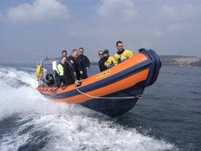 DV Diving Powerboating