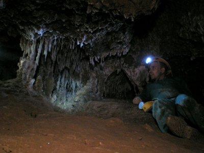 Caving in Cueva de las Rondas, L'Anoia