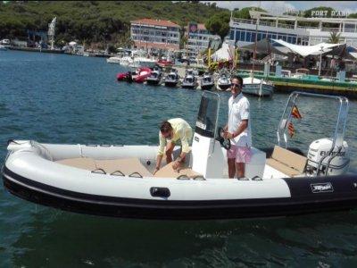 Alex Boats