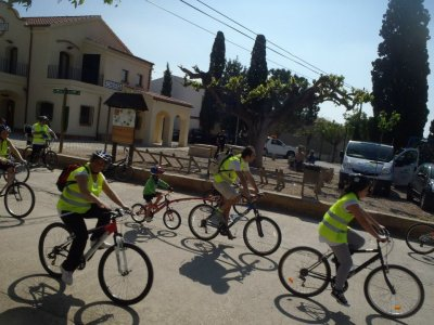 Green cyclist way + Lunch in Horta de San Joan