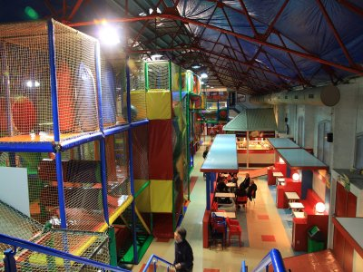1 hour in play centre in Barcelona