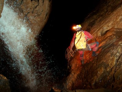 Speleology in Jentulzubi Advanced Level, 4 Hours