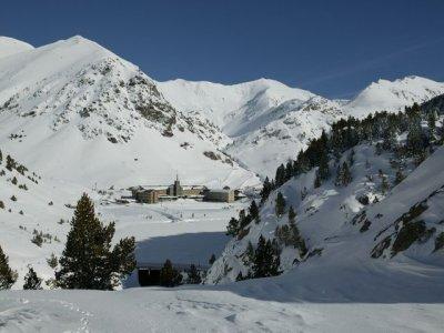 Grupo FGC Vall de Nuria Estaciones de Esquí