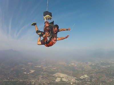 Parachute jumping in Madrid
