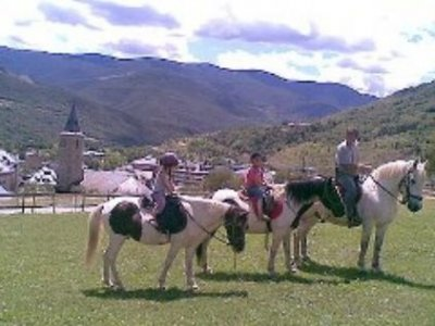 2h Horse riding in Sort.
