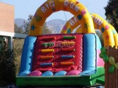 Big Bouncy Castle rental. No instructor
