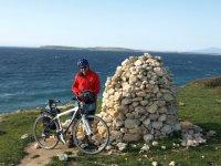 Coastal cycling near San Salvatore