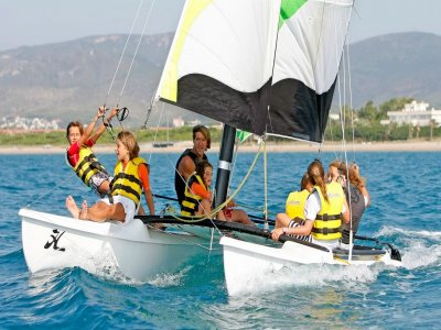 Sailing trip with instructor in Gava, 1 hour