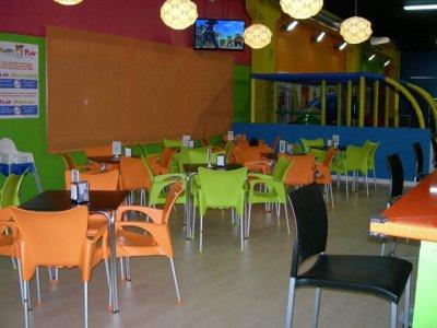 Birthday Party + Hot Dog Menu, Playroom in Madrid