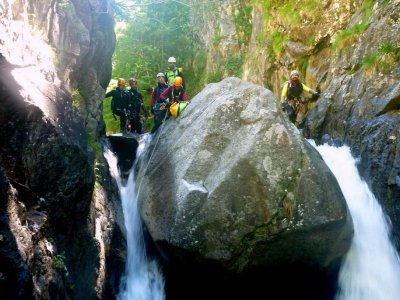 Canyoning the Peonera Inferior- Sierra Guara
