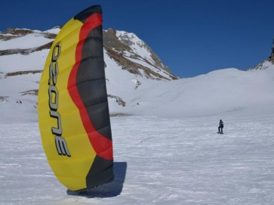 Snowkiting course in Portalet - 2 days