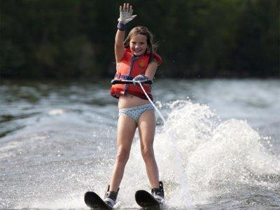 Waterskiing in Denia - 15 min