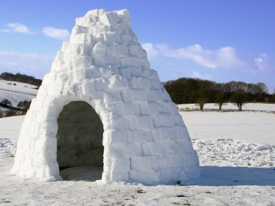 Building igloos in Natural Park Cadi-Moixero
