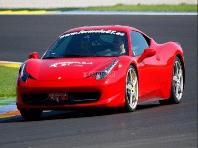 2 laps on a Ferrari F430 + extras, Montmeló