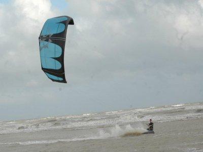 Kites on Board Kitesurfing