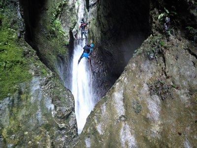 Asier Perez Guía de Montaña y Barrancos Barranquismo
