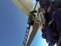 Tandem jump from the plane