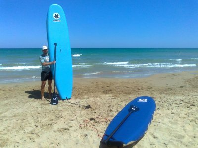4-hour paddle surfing