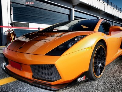Drive a Lamborghini Gallardo in Cheste. 1 lap