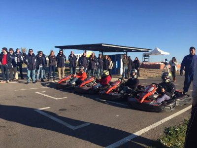 26-minute karting, barbeque and free drink