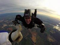 Freefall skydiving