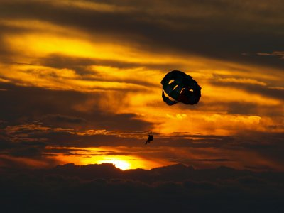 Parasailing Ibiza, sunset. Drinks included