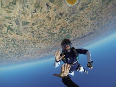 NON-TANDEM Skydiving in Lillo