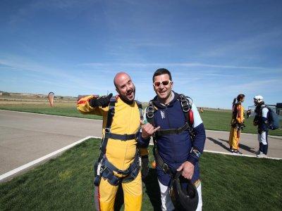 Tandem Parachute Jumps Course & Degree, Lillo