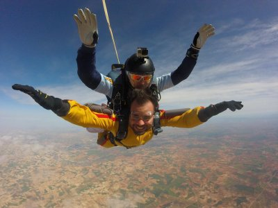 Skydiving course + A-level jumps coupon, Lillo