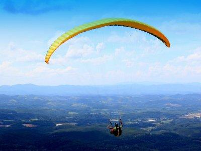 Paragliding flight. Departure from Rialp