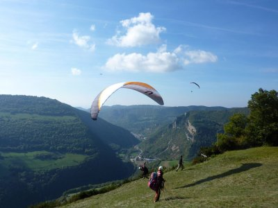 Paragliding Through The Pyrenees from Liri