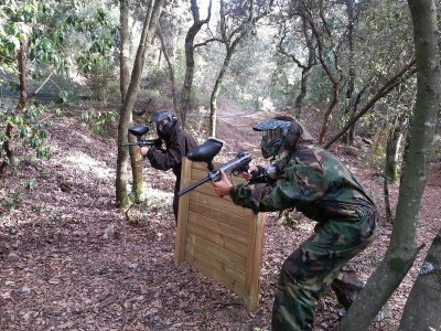 Total Paintball: Equipment + 300 Ammo at Dosrius