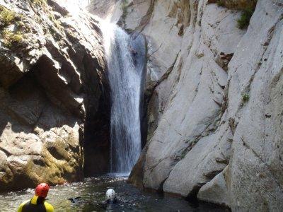 Expert canyoning in Gorgues de Llech