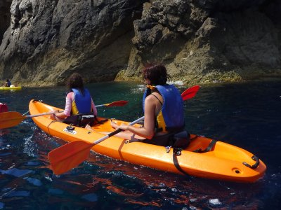 Double kayak in the Encinarejo reservoir