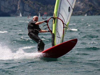 4h windsurfing lessons in the estuary of Sada
