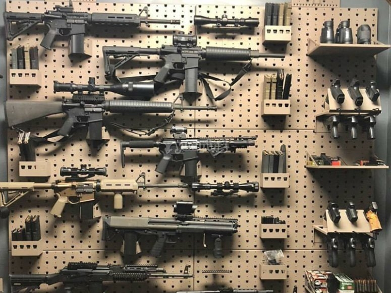 Airsoft weapons