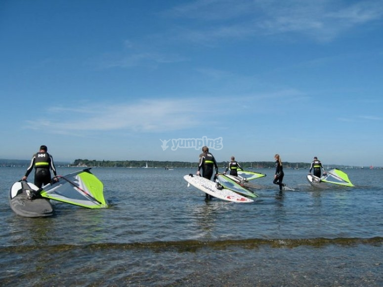 Students ready for the first Windsurfing lesson