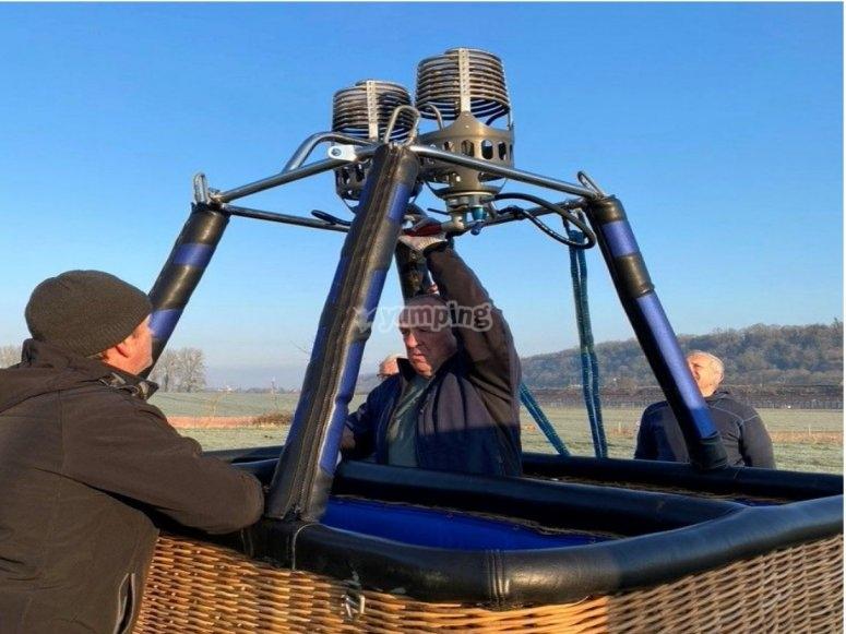 Setting the hot air balloon
