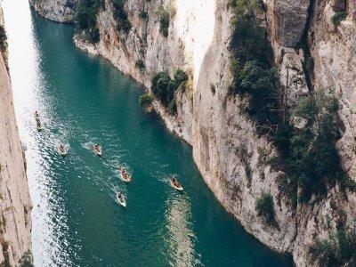 Kayak rental medium-high level Mont-Rebei 8h