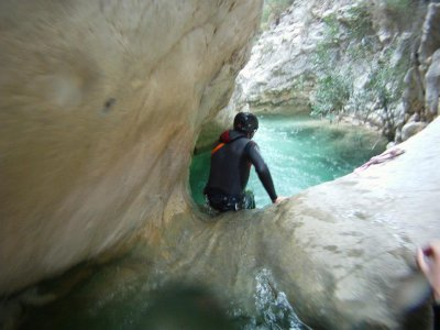 Initiation in aquatic canyoning in Alicante 6-8h