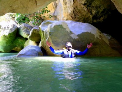 Water canyon descent with exclusive instructor