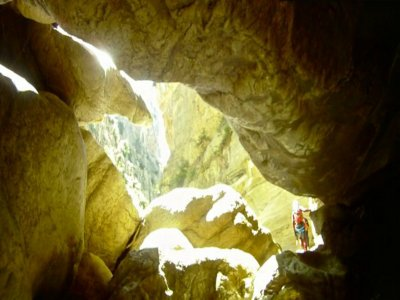 Caving on Excéntrica and Fuensanta + night