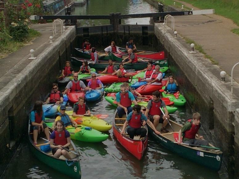 Canoes and kayaks in locks