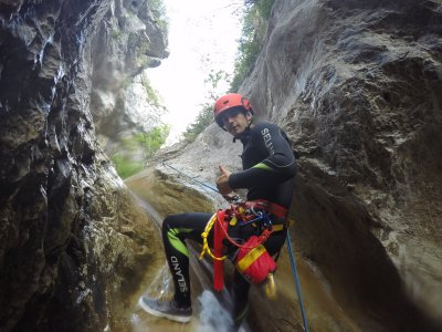 Mid-Level Canyoning in Lleida 3 Hours