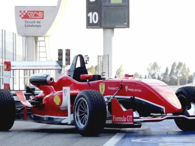 2 turns on Formula F3 on Can Padró Circuit