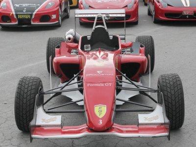 Drive a Fórmula 3 vechicle Kotarr circuit, 2 laps