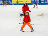 Have a go with Lessons for beginners at Snowdome!