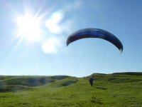 sunny day for paragliding
